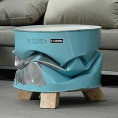 Weggooien is zonde! Probeer met materialen, meubels en/of andere objecten die je gaat weggooien, toch weer te gebruiken. Door bijvoorbeeld e...