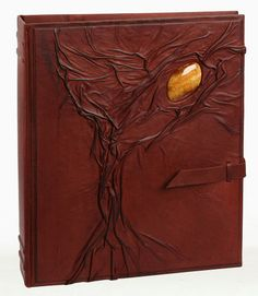 Gorgeous handmade leather-bound photo album by 'LeatherDruid'. Stunning!!!!  :D