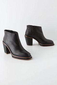 Gott get for fall - Piped Platform Booties #anthropologie