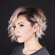 hair cuts 54 Pretty Short Hairstyles and Haircuts Ideal for Women with Straight Hair 2019 You Are Bi Layered Bob Haircuts, Haircuts For Fine Hair, Best Short Haircuts, Short Hairstyles For Women, Bob Hairstyles, Pixie Haircuts, Blonde Haircuts, Straight Haircuts, Wedding Hairstyles