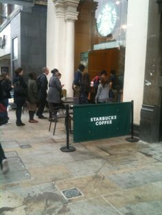 Starbucks gives out free coffee if you tell them your name #PRStunts