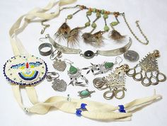 SOUTHWESTERN COSTUME JEWELRY LOT BEADED NECKLACE EARRINGS BRACELET RARE !                            Seller information  justinsublime (1338  )      100% Positive feedback  Save this seller  See other items     AdChoice  Item condition:--  Time left: 7h 24m 5s (Dec 09, 2012 18:18:52 PST)  Starting bid:US $5.99  [ 0 bids ]