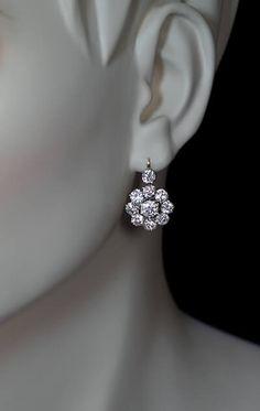 Diamond Jewelry Antique 6 Ct Old European Cut Diamond Cluster Earrings - Antique Jewelry Diamond Earing, Diamond Jewelry, Gold Jewelry, Fine Jewelry, Jewellery Box, Tanishq Jewellery, Jewelry Logo, India Jewelry, Jewellery Shops