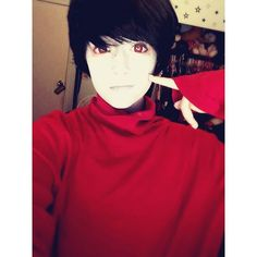 i immediately recognised who this was and im crying because they're beautiful (ps: its Heir Of Large Sweaters)