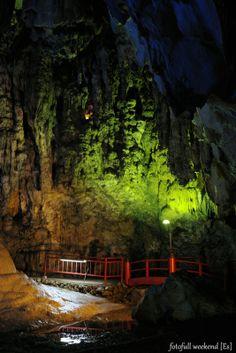 Limestone cave, Okayama, Japan 備中鍾乳穴