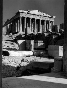 The Acropolis. The Parthenon seen from the Propylaeum. Herbert List, Parthenon Greece, Athens Greece, Moma, Black And White Photo Wall, Harper's Bazaar, Bedroom Wall Collage, Modern Photography, Magnum Photos