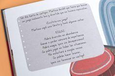 En la ciudad de Villa Serena, vive Martina la traviesa, una niña muy curiosa, ¡que siempre le da al mundo la vuelta! Quiere un juego loco, que le haga alucinar, sin que las consecuencias sean caras y a la vez sea brutal. Solo en una sombrerería, con un sombrero mágico lo podrá encontrar. ¿Quieres saber qué será? Abre este libro y empieza a adivinar… Foto: Laia Gutiérrez
