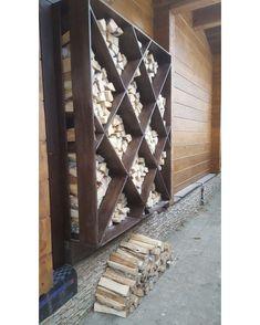 44 Simple Indoor Firewood Storage Design Ideas On A Budget Outdoor Firewood Rack, Firewood Holder, Firewood Shed, Indoor Firewood Storage, Outdoor Living, Outdoor Decor, Indoor Outdoor, Diy Home Decor, Home And Garden