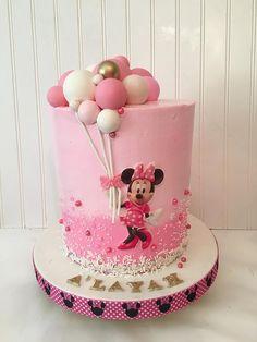 Torta Minnie Mouse, Mickey And Minnie Cake, Minnie Mouse Balloons, Minnie Mouse Cookies, Bolo Minnie, Mickey Cakes, Minnie Mouse Cake Design, Mini Mouse Birthday Cake, Girly Birthday Cakes