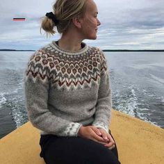 Fair Isle Knitting Patterns, Fair Isle Pattern, Knitting Designs, Knitting Stitches, Knitting Yarn, Hand Knitting, Nordic Pullover, Nordic Sweater, Fair Isle Pullover