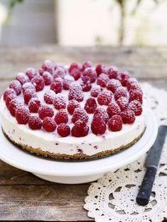 Frisk och syrlig sommardessert. Smakar ljuvligt! Bbq Desserts, Dessert Drinks, No Bake Desserts, Delicious Desserts, Dessert Recipes, Yummy Food, Bagan, Grandma Cookies, Cupcakes