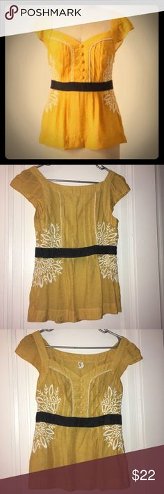 Anthropologie Floreat Solar Star Blouse Lovely, feminine yellow top in very good condition made with a cotton-linen material. The color is not as bright as the model photo, and is more muted. This is a gorgeous top but just didn't fit me right! Anthropologie Tops Blouses