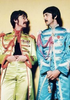 1967 - John Lennon and Paul McCartney, Sgt. Pepper's. Paul Mccartney, Ringo Starr, George Harrison, John Lennon, Freedie Mercury, Liverpool, Sgt Pepper, The Fab Four, John Paul