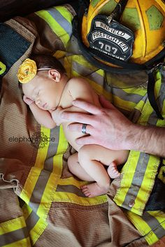 another dream shoot checked-off my list...newborn with a fireman daddy!