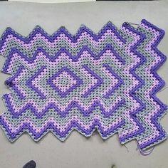 Interesting zigzag crochet