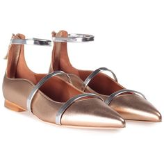 Malone Souliers Robyn Point-Toe Leather Flats (€485) ❤ liked on Polyvore featuring shoes, flats, multicolor, nude flat shoes, pointy-toe flats, leather pointed toe flats, pointed toe flats and flat pumps