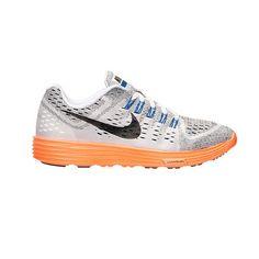 Giày Nike chuyên phân phối giày thể thao Nike chính hãng - Giao hàng miễn phí toàn quốc - 705461-100 - 3,155,000