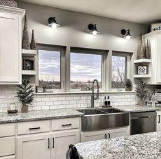 Farmhouse Kitchen Decor, Kitchen Redo, Home Decor Kitchen, Kitchen Living, New Kitchen, Home Kitchens, Kitchen Remodel, Kitchen Ideas, Farmhouse Kitchen Inspiration