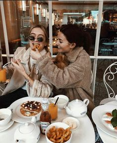 21 Ideas for brunch photography life photography 21 Ideas for brunch photography life Best Friend Pictures, Bff Pictures, Friend Photos, Cute Photos, Best Friend Fotos, My Best Friend, Easy Style, Tumblr Bff, Insta Photo Ideas