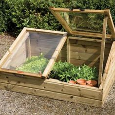 Love to build one or two of these but use old windows for the covering glass.