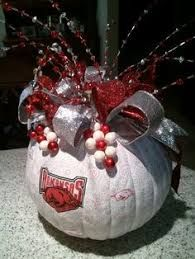 Image result for christmas pumpkin ideas Christmas Pumpkins, Christmas Bulbs, Arkansas Razorbacks, Pumpkin Ideas, Holiday Decor, Holiday Ideas, Diy And Crafts, Tailgating, Halloween