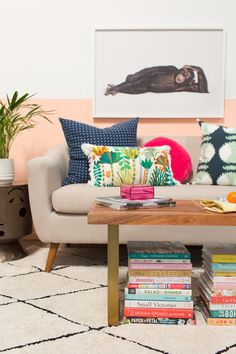 3 ways to style a bench / oh joy Condo Living, My Living Room, Apartment Living, Home And Living, Living Spaces, Living Room Modern, Apartment Ideas, Colourful Living Room, Home Accessories