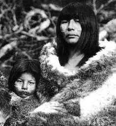 Old Photo of Selknam Mother and Child (1898 ) Note- The Selk'nam, also known as the Onawo or Ona people were an indigenous people in the Patagonian region of southern Argentina and Chile..Now they are extinct
