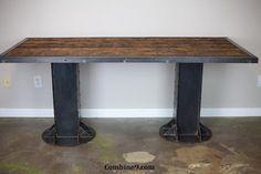 Vintage industriale scrittoio / tavolo. Rivetti in acciaio Ibeams e di leecowen