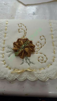 Crochet Necklace, Embroidery, Drink, Food, Silk Ribbon Embroidery, Easy Crafts, Ribbons, Felt Boots, Embroidered Towels