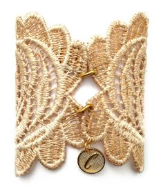 ROMBESCU by Cristina Cárdenas Victorianas Ivory lace #bracelet, #vintage style with a gorgeous brooch whith rhinestones. Precio: 190 €