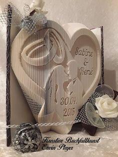 Buch gefaltet Herz Brautpaar Eheringe Hochzeitsbuch gefaltete Bücher Geschenk Hochzeitsgeschenk