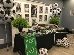 Soccer Birthday Parties, Soccer Party, Festa Hot Wheels, Football Banquet, Banquet Decorations, Senior Gifts, Party Themes, Birthdays, Gallery Wall