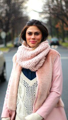 Casaco de lã e pele rosinha