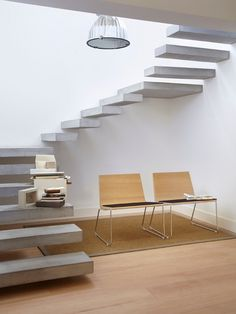 Spiral staircase with floating concrete steps. Interior Stairs, Interior Architecture, Stairs Architecture, Escalier Design, Floating Staircase, Spiral Staircase, Concrete Stairs, Inspire Me Home Decor, Modern Stairs