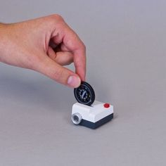Projecteo: The Tiny Instagram Film Projector