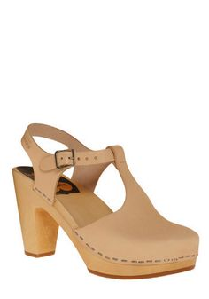 Bold Endeavors Heel in Gain//ever since i went to solvang, i've been dying for a pair of clogs.