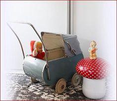 Prachtige brocante antieke kinderwagen /poppenwagen