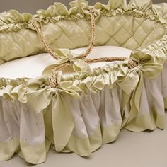 100% Cotton Embroidered Baby Moses Basket in Palm Leaf and Ivory