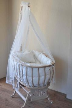 The Babys, Twin Cribs, Baby Cribs, Kids Org, Cradles And Bassinets, Vintage Crib, Creative Kids Rooms, Baby Bassinet, Nursery Neutral