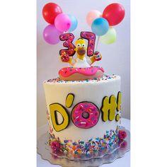 16th Birthday Cake For Girls, 17 Birthday Cake, Sweet 16 Birthday, 17th Birthday, Disney Birthday, Bolo Simpsons, Simpsons Party, Birthday Party Decorations, Birthday Parties
