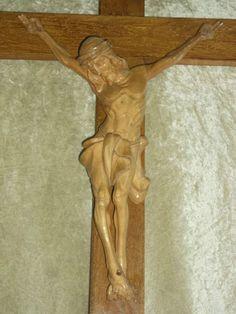 Prachtvolles-Kruzifix-aus-Holz-Beinarbeit-Schnitzerei-Jesus-Kreuz-Bayern-Art
