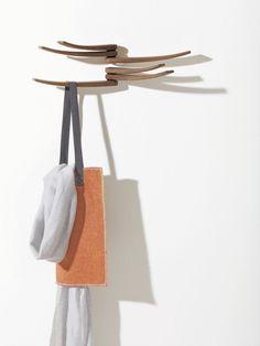 Wandgarderobe Wing von Lievore Altherr Molina