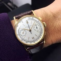 """""""A very fine 18k yellow gold manual winding chronograph wristwatch ref.130 with certificate of origin #パテックフィリップ #パテック #johnbehalf #patekholic…"""""""