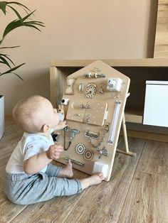 Toddler Busy Board, Birthday Gift, Montessori Activity Board, Wooden Sensory… – Presents for girls Baby Sensory Play, Baby Play, Baby Toys, Sensory Board For Babies, Toddler Toys, Sensory Boards, Montessori Activities, Infant Activities, Montessori Toddler
