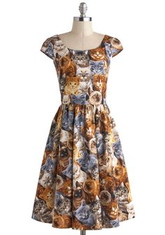 Hooked on a Feline Dress, cat print dress, mod style, cute, madmen dress. Retro Vintage Dresses, Retro Dress, Mod Dress, Dress Up, Cat Dresses, Long Dresses, Dress Long, Modcloth, Pretty Dresses