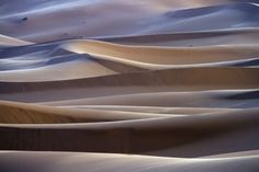 A silent sunrise at Erg Chebbi (Morocco), a vast sea of dunes located on the edge of the Sahara desert