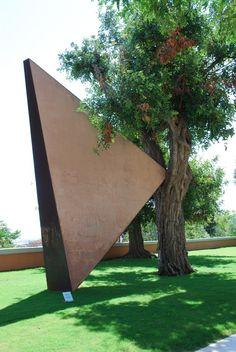 Particolare architettonico all'interno dei Giardini Pubblici di Viale San Vincenzo Flamingo, Plants, Image, Flamingo Bird, Flamingos, Plant, Planets