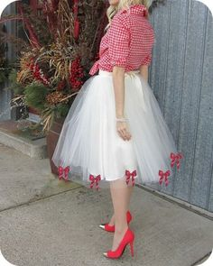 Lily Says Go: loving the tulle skirt with gingham Diy Tulle Skirt, Tulle Tutu, Tulle Dress, Dress Skirt, Dress Up, Tulle Skirts, Diy Clothing, Mode Style, Holiday Outfits