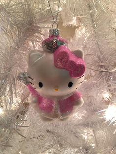 Hello Kitty Christmas ornament. Oooh Kitty! You're so pretty!!