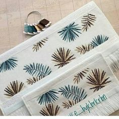 This post was discovered by Fa Cross Stitch Embroidery, Cross Stitch Patterns, Cross Stitch Flowers, Handicraft, Diy Fashion, Crochet, Needlepoint, Smocking, Diy And Crafts